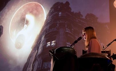 <b>Lumières-Ellie-James-©-Mip-Pav_site.jpg