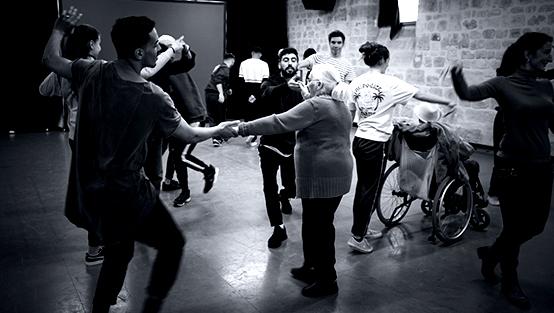 cie revolution performance MC Monin newsmediaiton